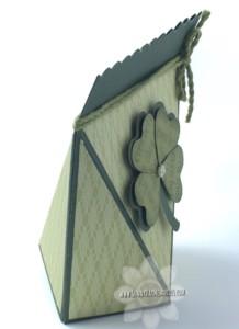 Angled St. Patrick's Self-Closing Box