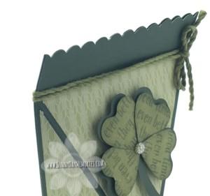 Close-up St. Patrick's Self-Closing Box