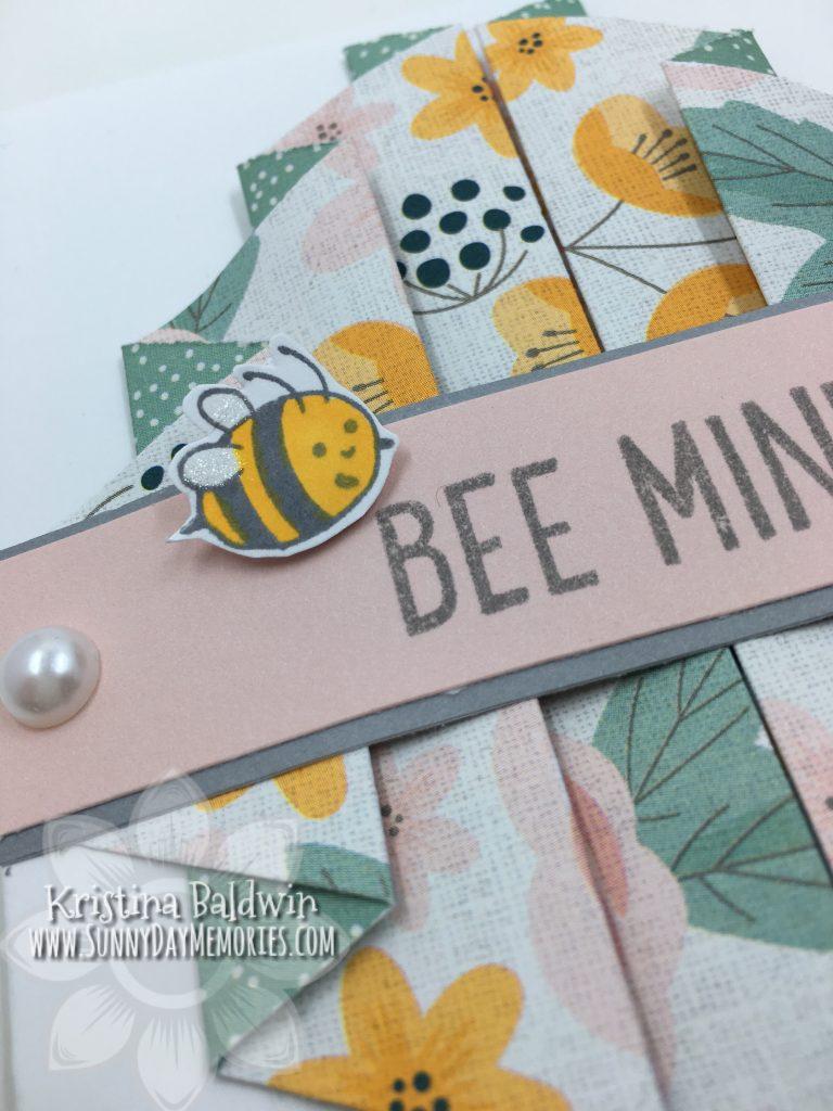 Close-up Pleated Bee Mine Card