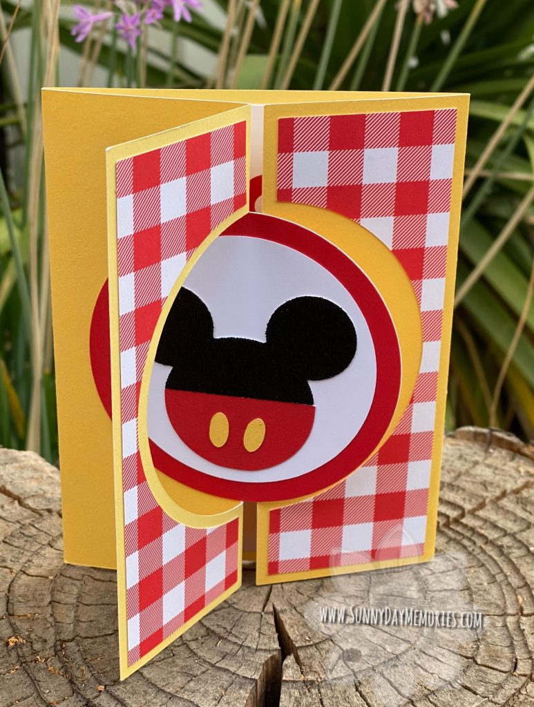 Mickey Mouse Circle Twist & Turn Gatefold Card